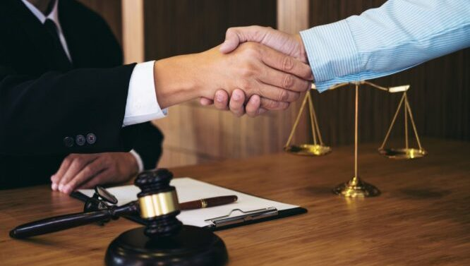 Cand aveti nevoie de un avocat de drept penal?