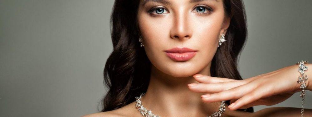 Sfaturi de baza pentru alegerea unei bijuterii pentru o femeie